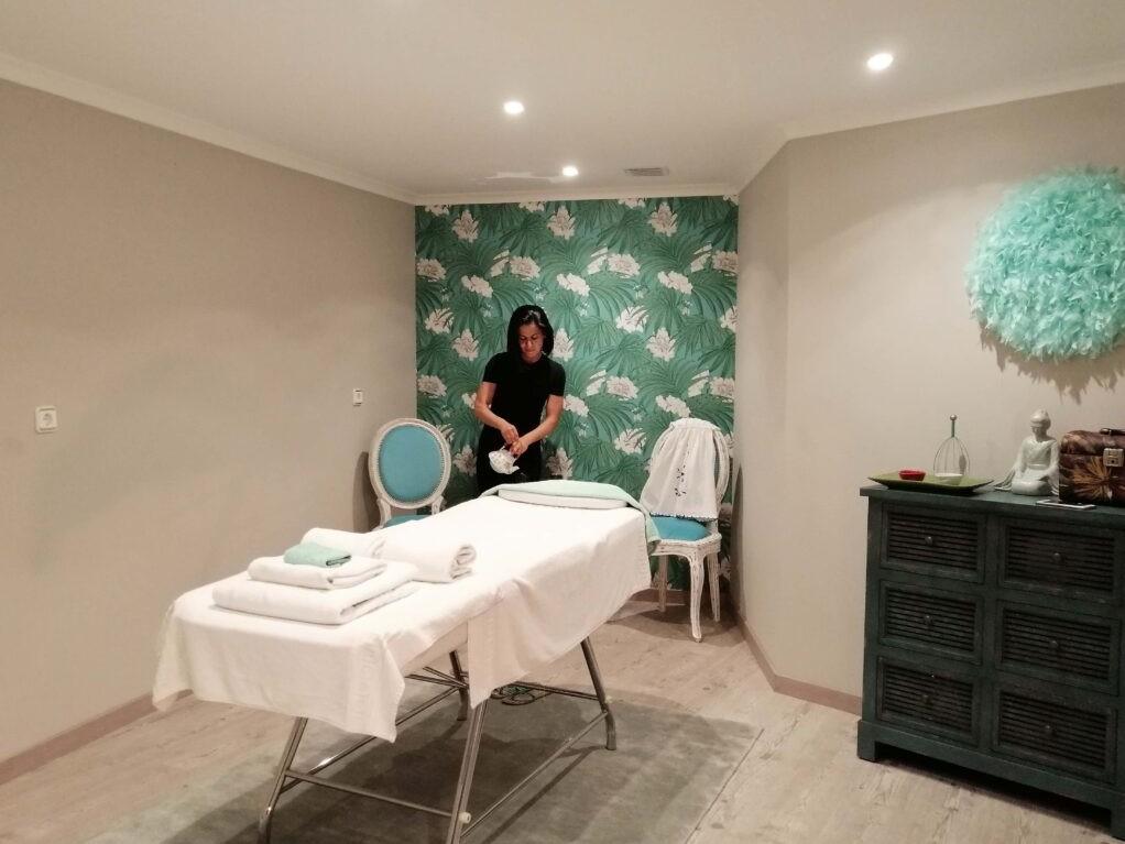 massage-room-vilamoments-1024x848-crop